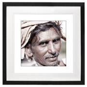 Itinerant road laborer India black frame border