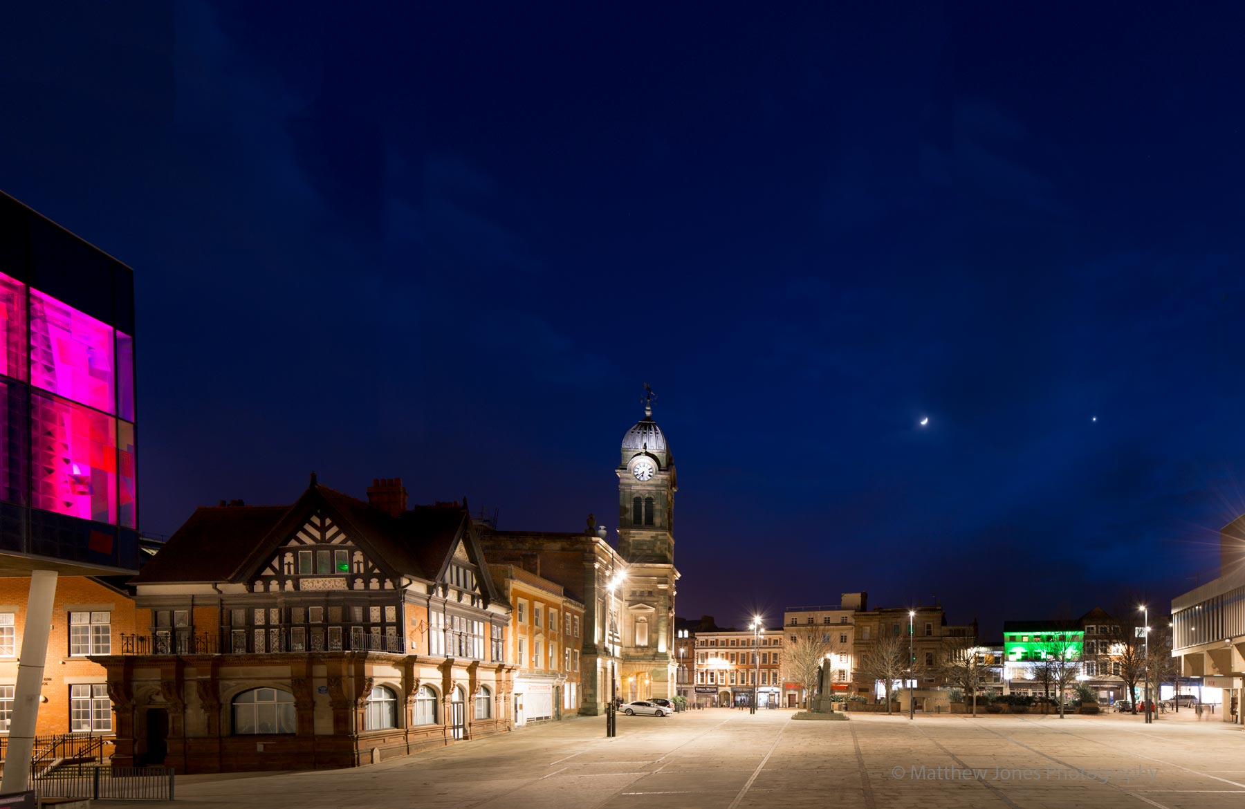 Guildhall-Derby-moon-and-venous