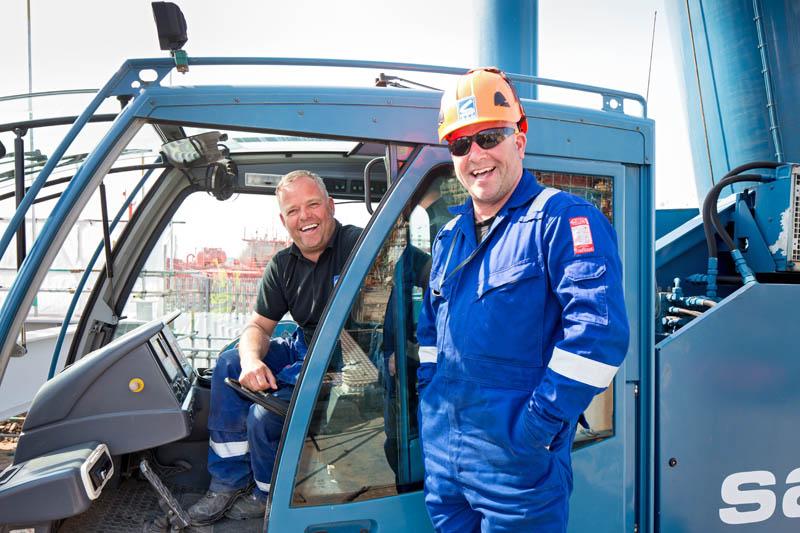 Sarens crane operators, brothers