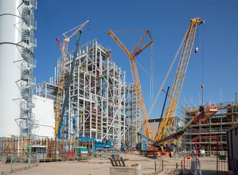 Cranes and steel construction
