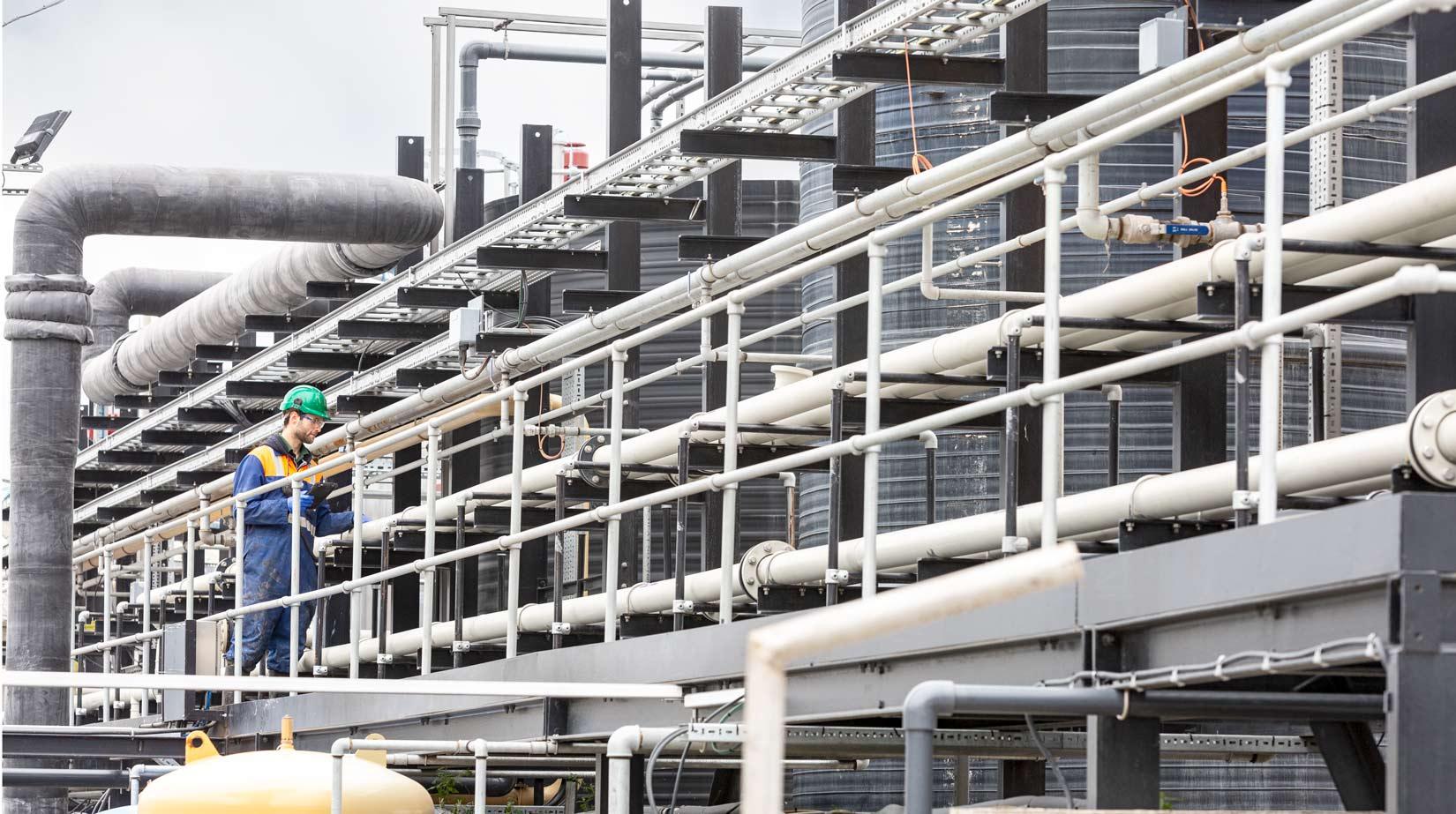 Industrial-photoshoot-engineer-valve-inspection