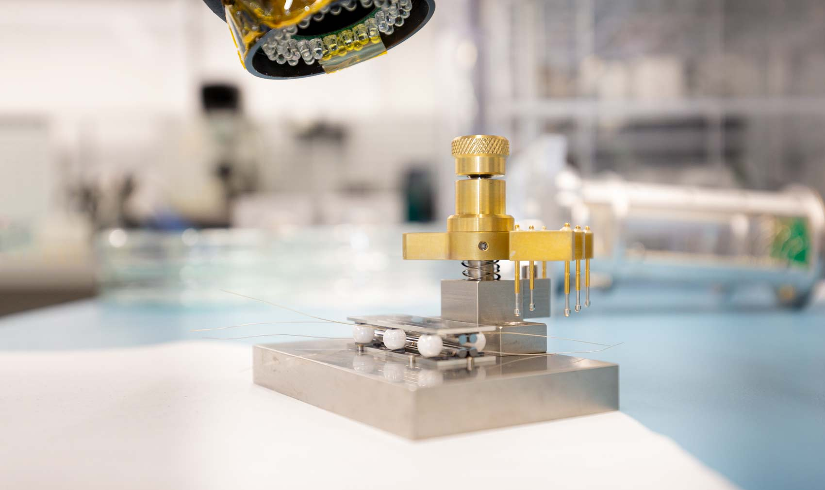 Industrial precision jig for aligning filaments